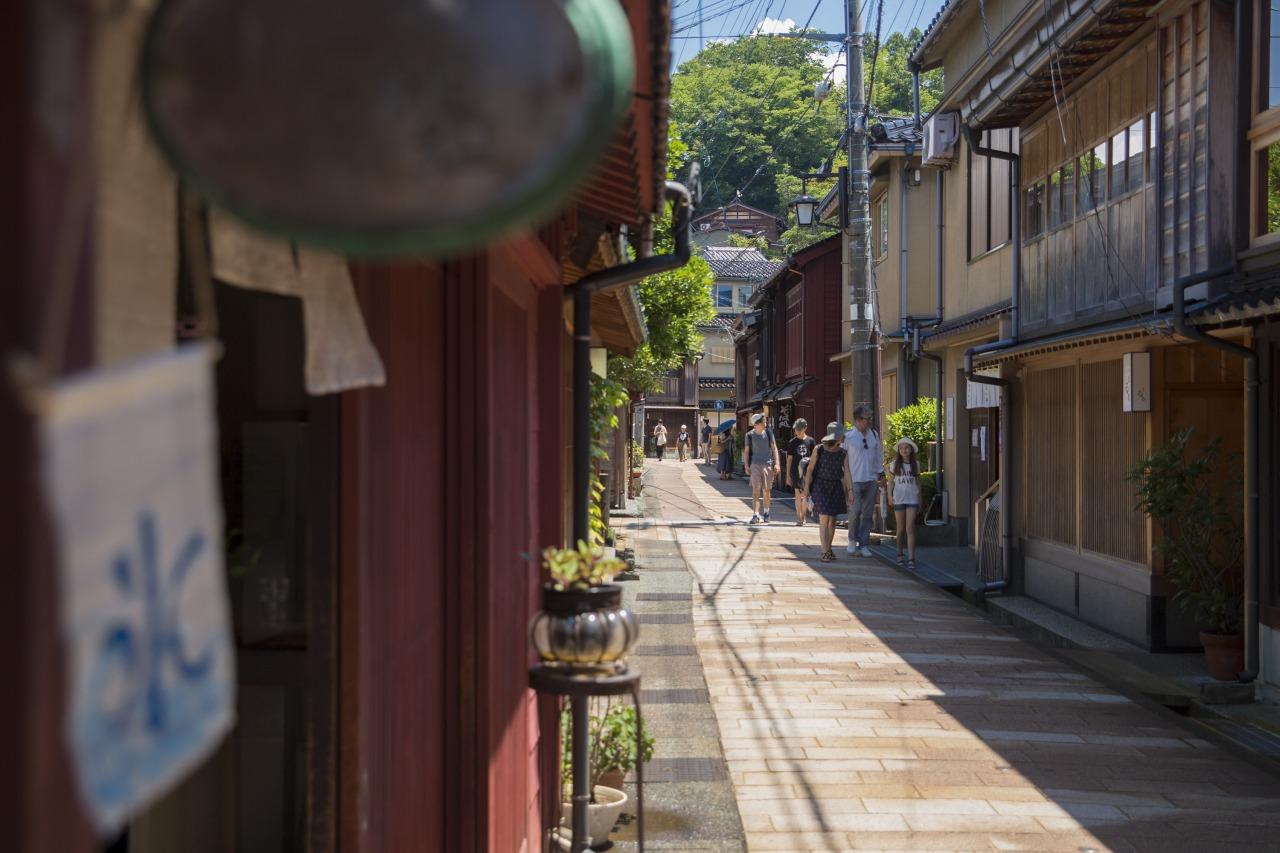 ひがし茶屋街|【公式】金沢の観光・旅行情報サイト|金沢旅物語|観光・体験|【公式】金沢の観光・旅行情報サイト|金沢旅物語